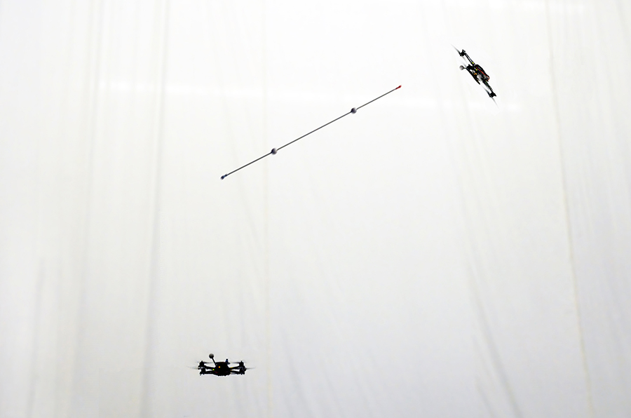 Video: Throwing and catching an inverted pendulum - with quadrocopters | Robohub