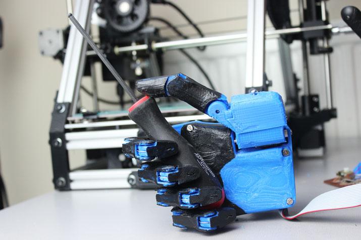 Dextrus_prosthetic_hand_Gibbard2