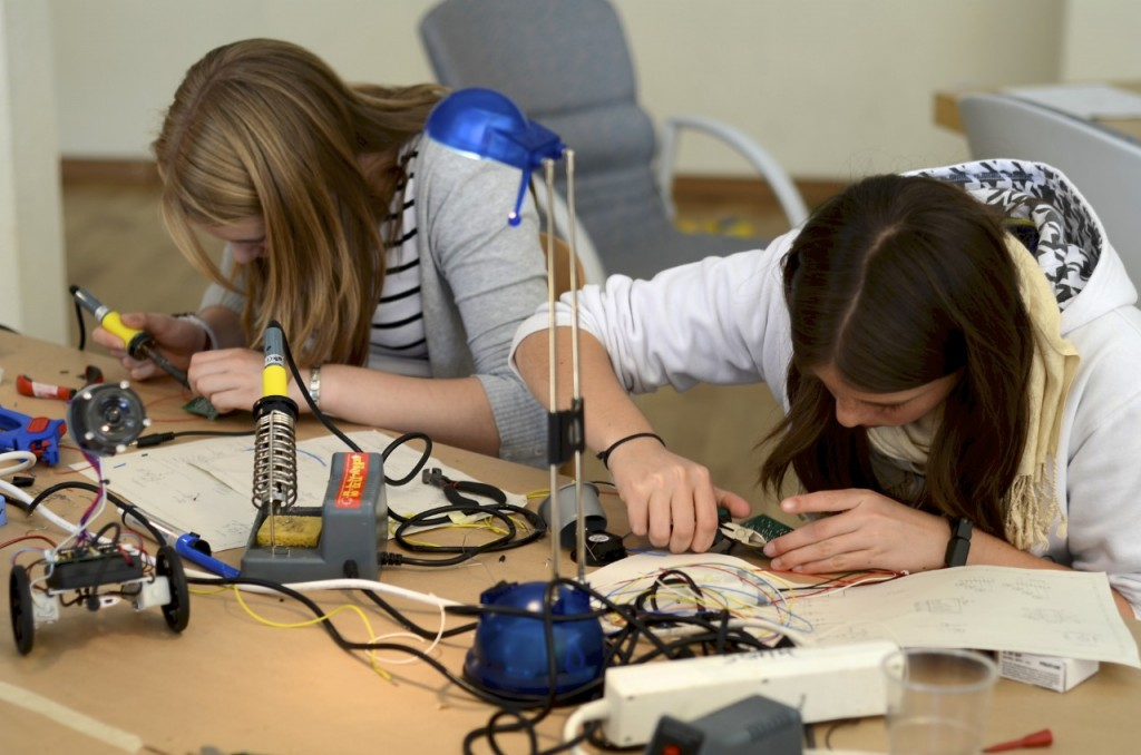 DanceBots_Girls_Soldering
