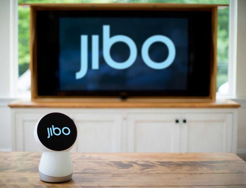 jibo-on-tv-screen_800_613_80