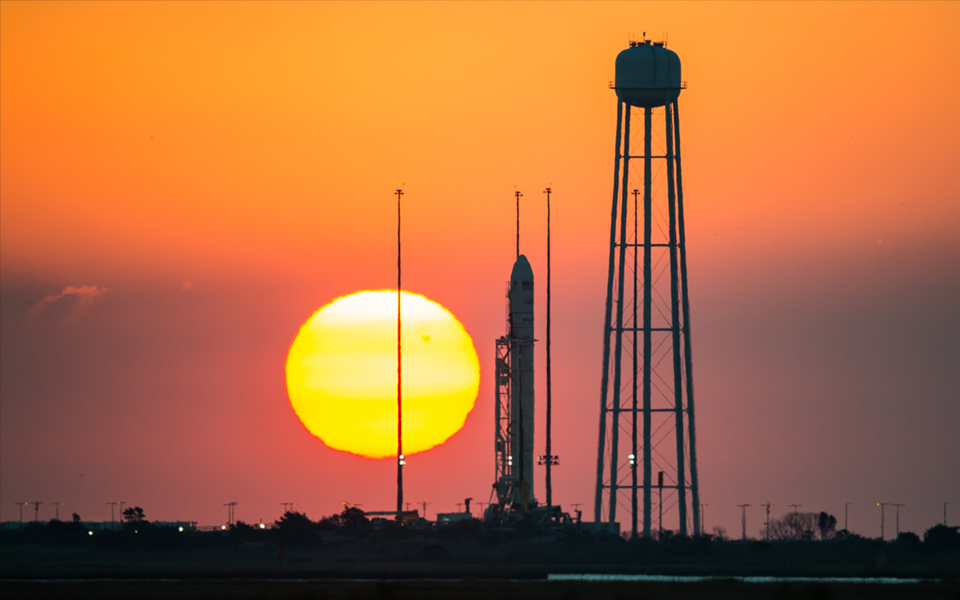 Orbital Science corp. Antares orb-3, pre-launch (photo: NASA)