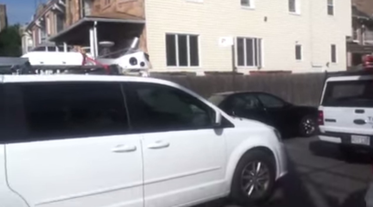 Dodge caravan self driving car in brooklyn new york_Apple_robocar?