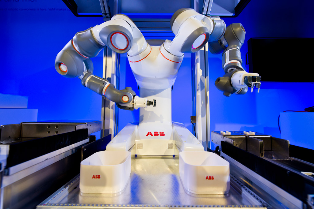 YuMi+is+the+world's+first+truly+collaborative+robot2