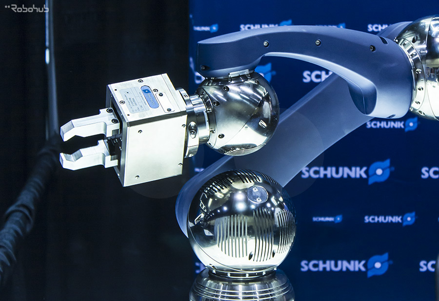 Robotic arm - Schunk GmbH & Co. KG