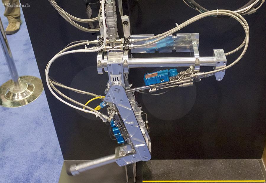 Titanium 3D printed pneumatic actuator - MOOG Inc.