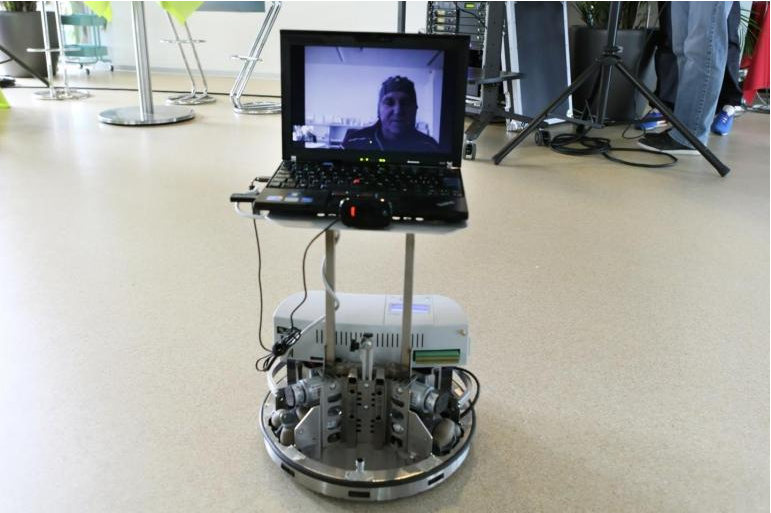 Telepresence robots give the disabled a sense of independence (Photo: Alain Herzog, EPFL)