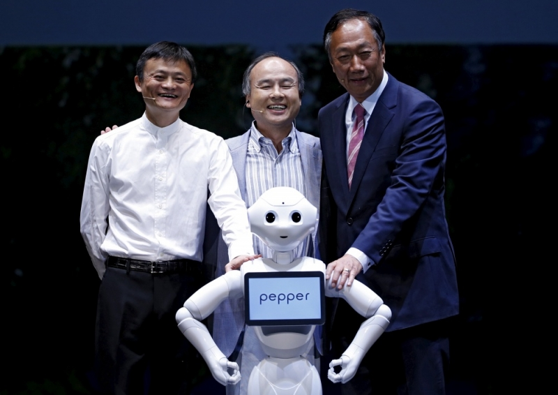 Alibaba_Softbank_Pepper_FoxConn