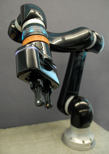 gomtec-one-armed-robot