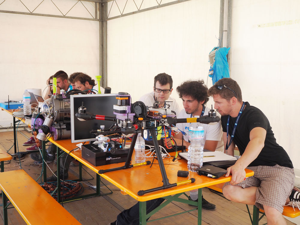 Air Team UNIFI (University of Florence) partners with land team B.R.A.I.N Robots. Photo Credits: euRathlon