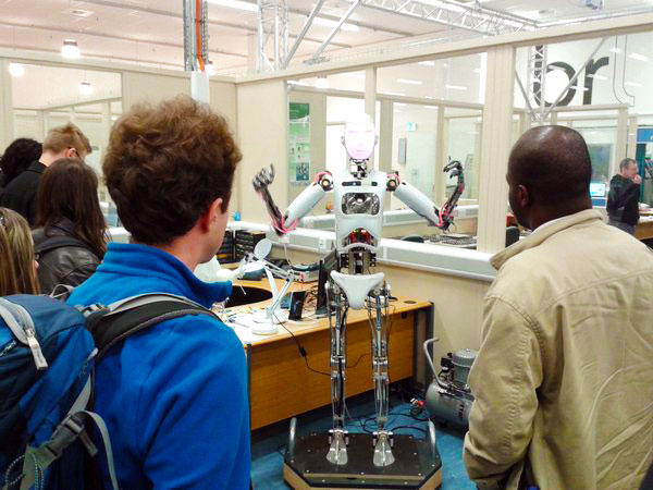 Robothespian welcomes visitors to Bristol Robotics Lab during #ERW2015. Image: euRobotics