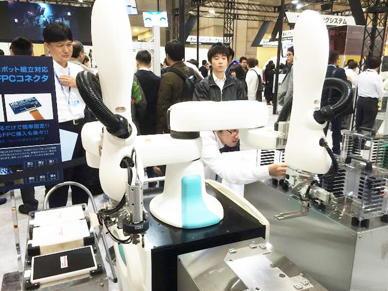 Kawasaki_DuAro_iREX_2015_collaborative_robot