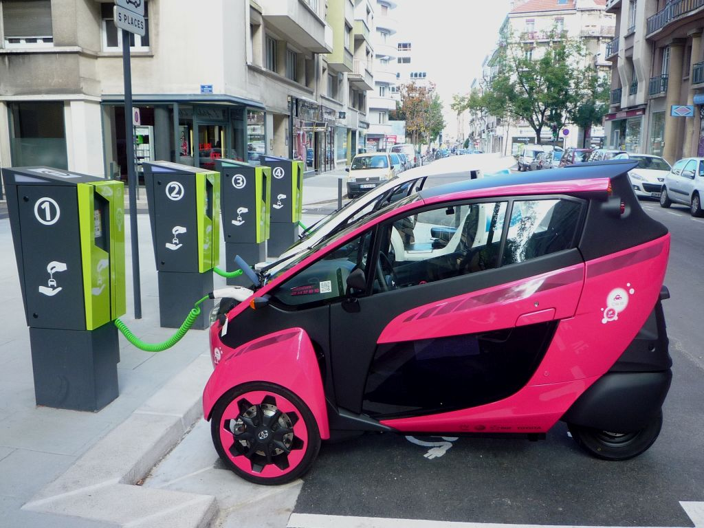 I-road-autonomous-car-vehicle-electric