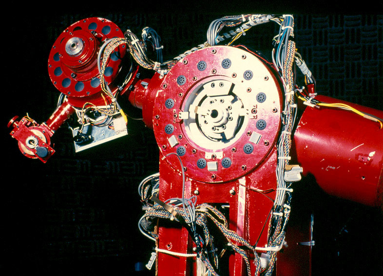 An early robot arm. (Photo: Courtesy of Chris Atkeson)