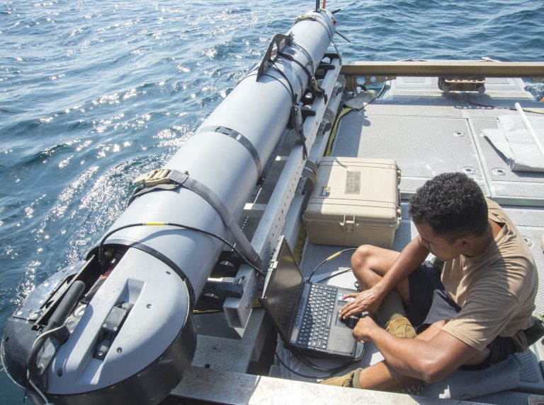 An unmanned undersea vehicle undergoing tests in the Arabian Gulf. Credit: Specialist 3rd Class Jonah Stepanik/ US Navy