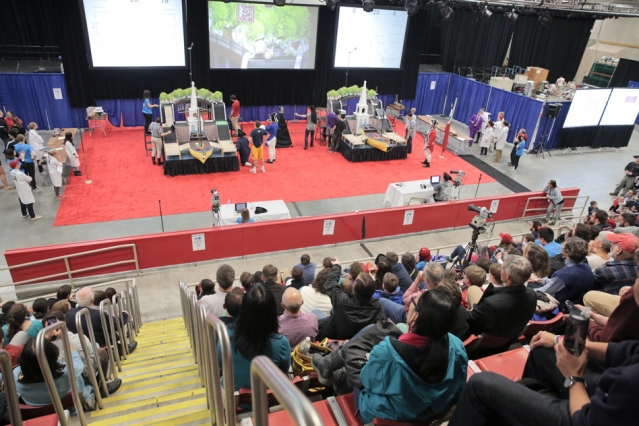 Hundreds of spectators crowded into Johnson Athletic Center to watch 32 student-built robots square off. Photo: Tony Pulsone