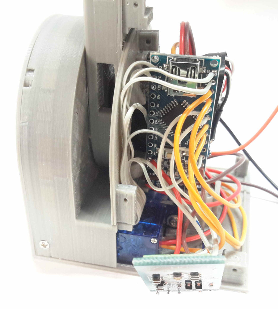 Jansson Don39t See Any Switched Ignition Or Rap Wires Just Battery Constant Its Important To Note The Size Of Cables Connected Radio Module Step 11 Because They Have Fit Between Base Servomotor And Top