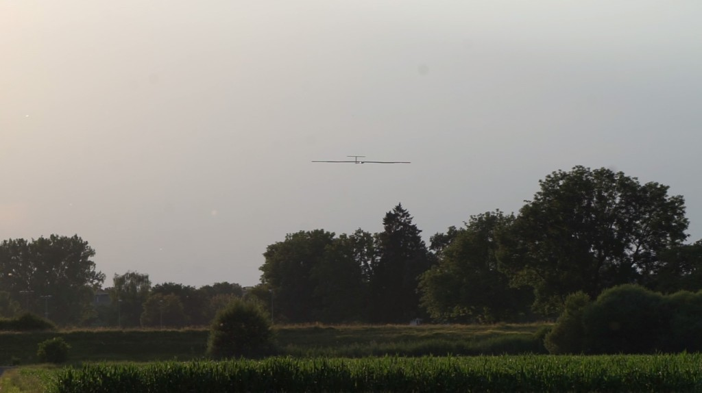 T=26h: Final approach during the autonomous landing.