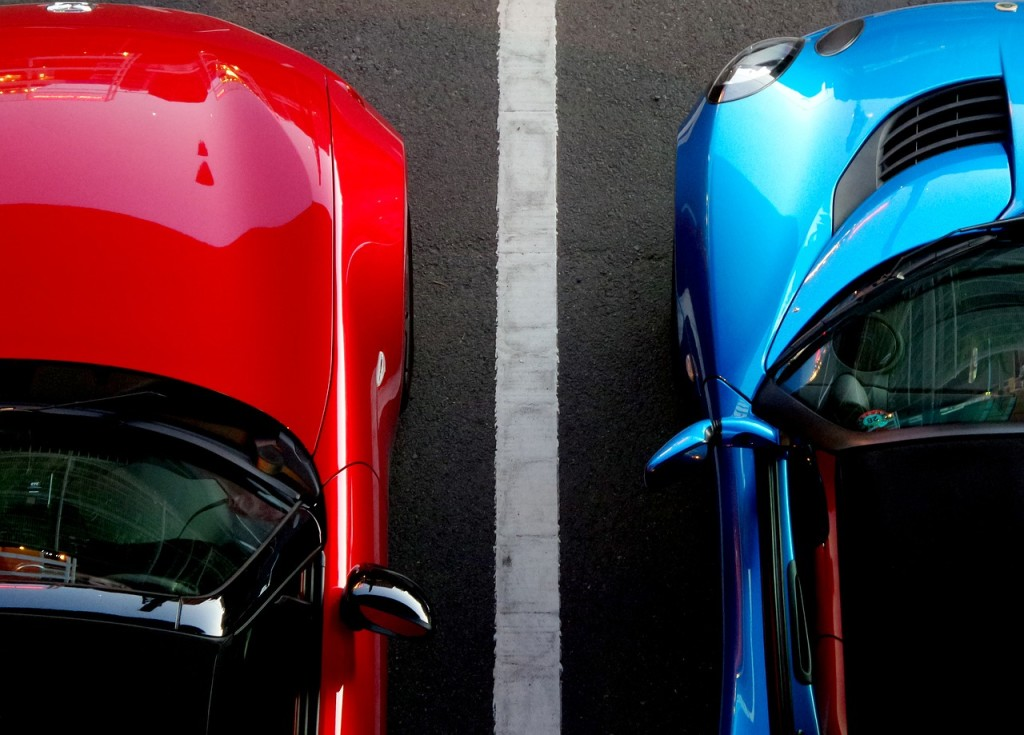 cars-lines-driving-dividing