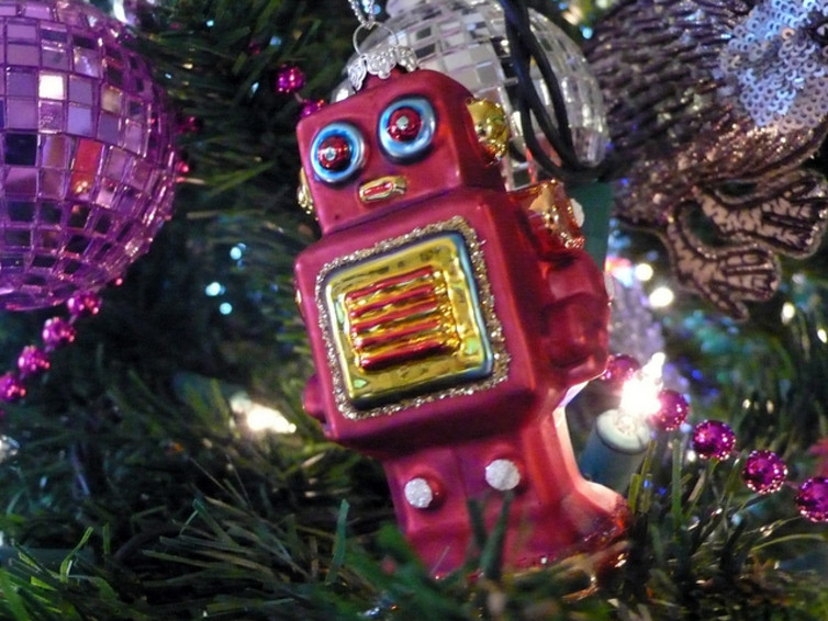 robot-decoration-baubles