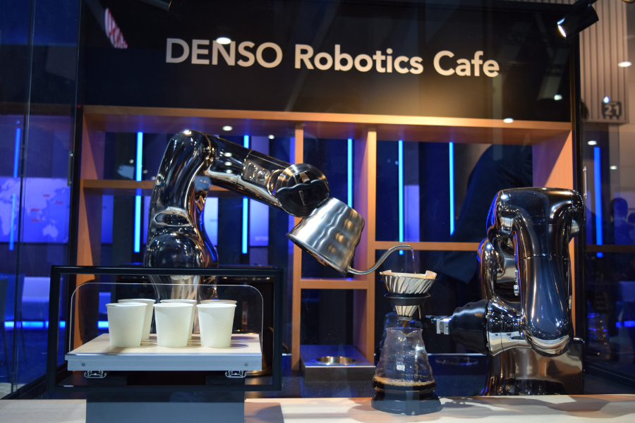 denso-robotics-cafe-arm-ces2017