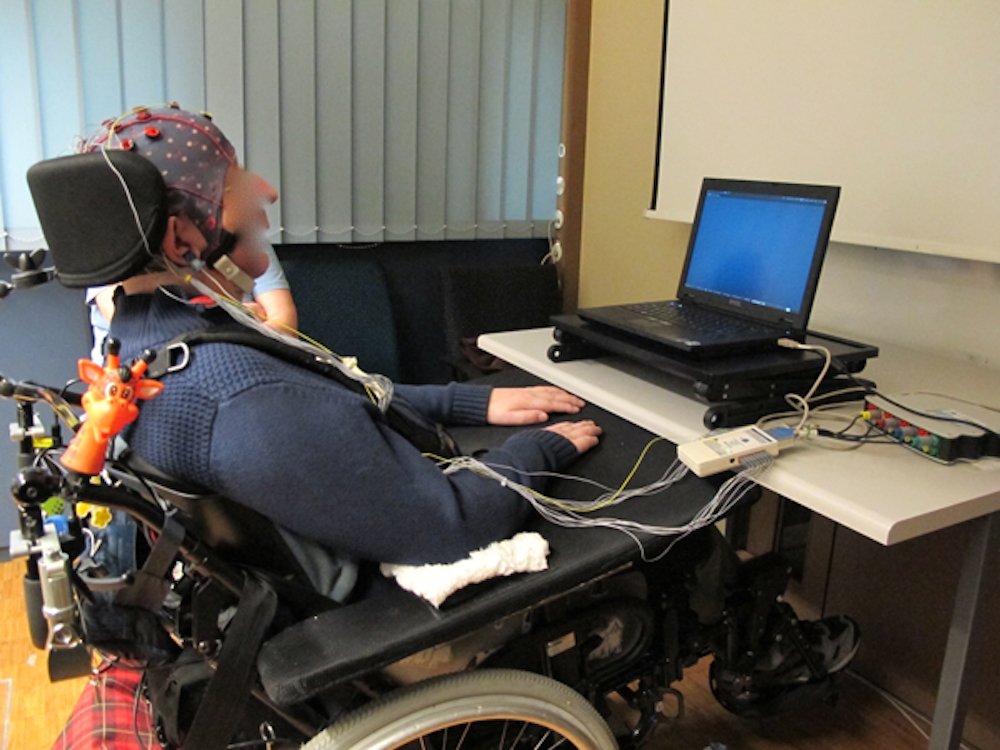 Using Brain Computer Interfaces (BCI) as a way to give people with  locked-in syndrome back reliable communication and control capabilities has  long been a ... 4a88b1a90c