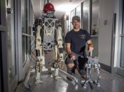 Two-legged robot mimics human balance while running and jumping